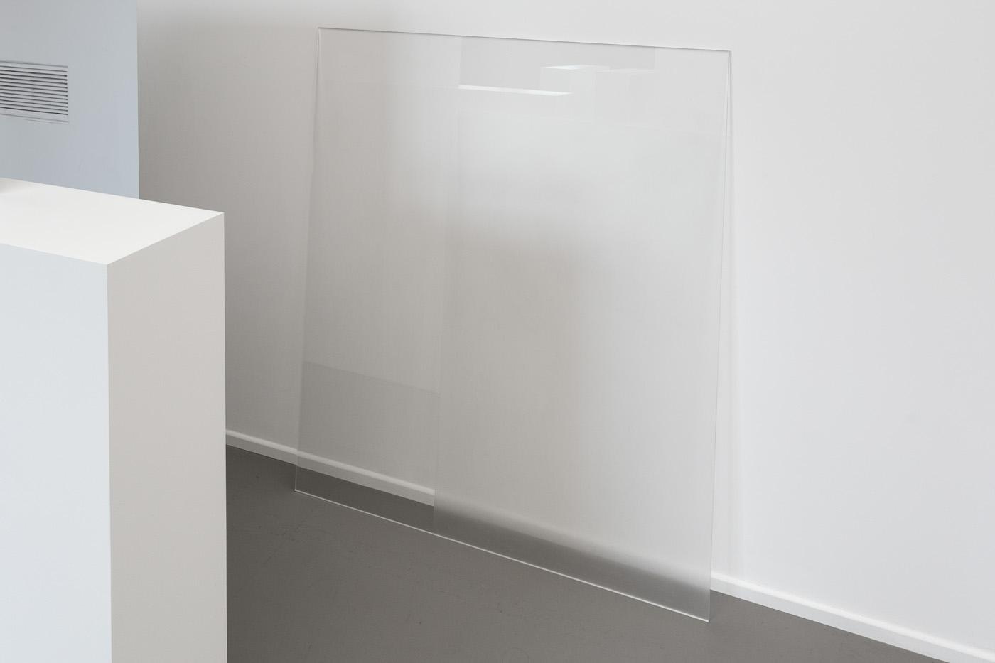 Meta / Meta Δ, 2014 - Installation, bois peint, adhésif, plexiglas