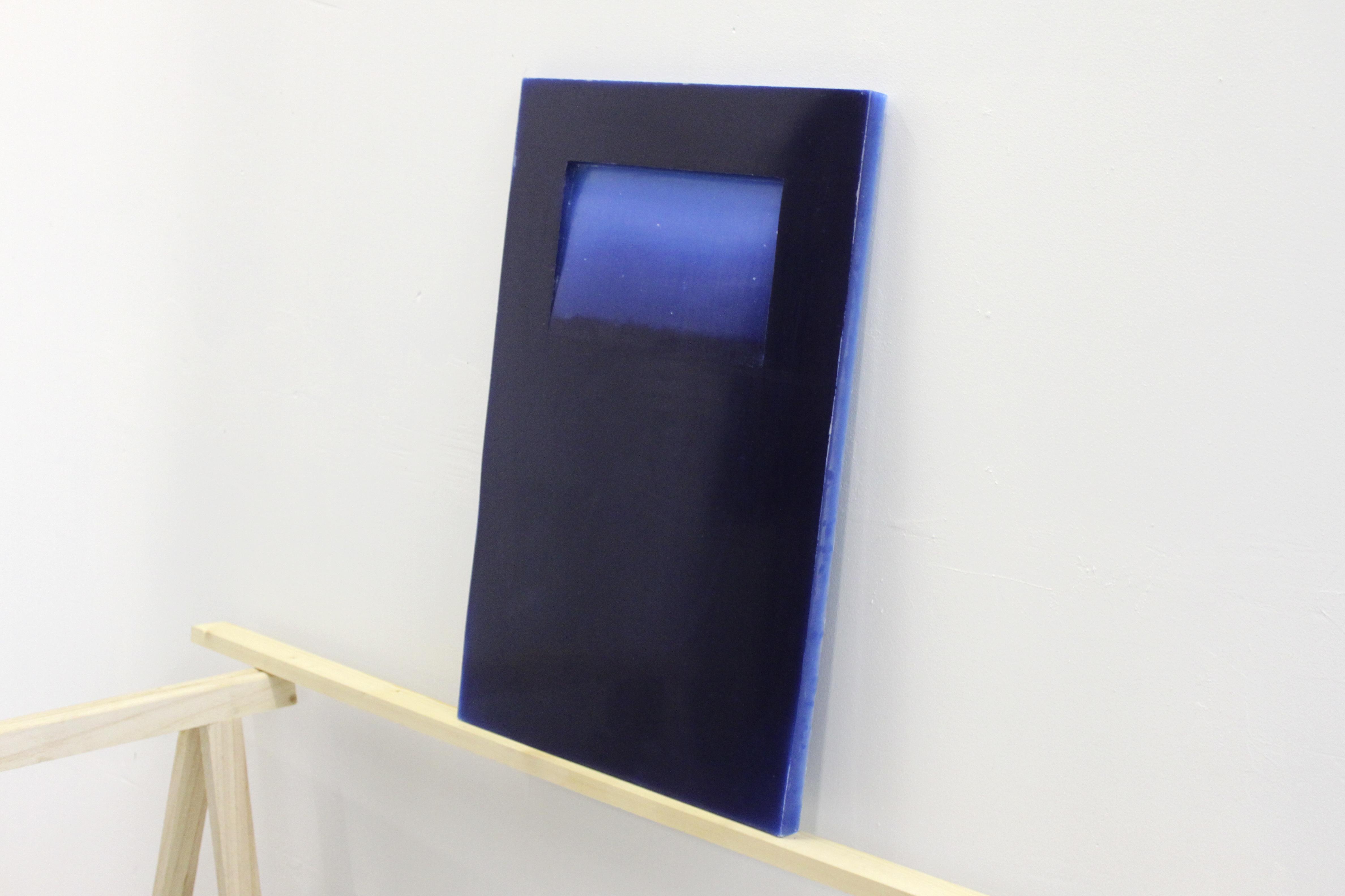 Coline Huger, 2013 - 105 bougies - 40x60x3cm - cire gravée main, pigments